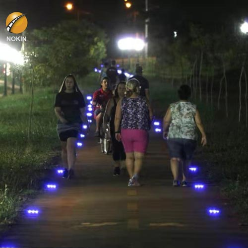 Ultra Thin Solar Road Stud Lights Were Installed In Brazil